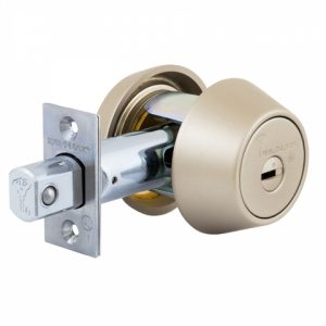 Фото 22 - Замок врезной MUL-T-LOCK 1-WAY DEAD BOLT HERCULAR SATIN NICKEL UNIV BS60/70мм *MT5+ 5KEY DND5I BLUE INS 948B wood door SP.